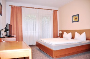 Hotel Mirena Doppelzimmer mit Zustellbett